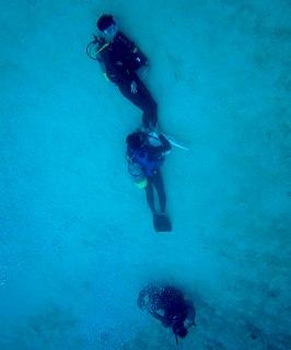 水中人文字ダイビング
