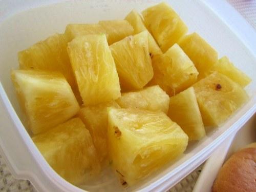 石垣島産パイナップル