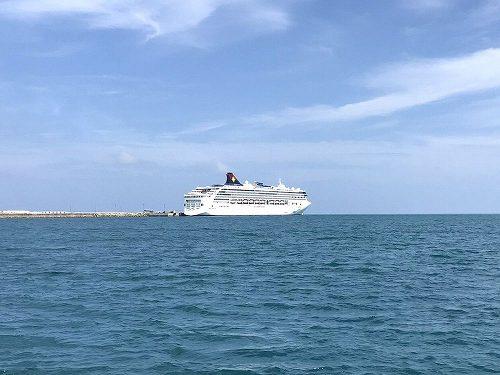 台湾クルーズ船